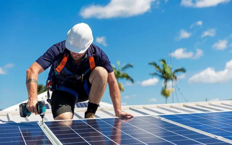 سرمایه گذاری در تولید برق خورشیدی